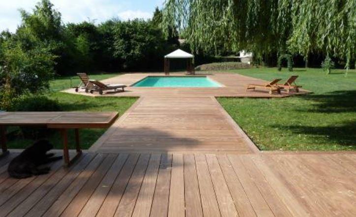 Terrasse bois sur plot ou piloti, terrasse béton sur dalle, vide sanitaire avec béton décoratif, ciré ou carrelage par votre artisan créateur 2